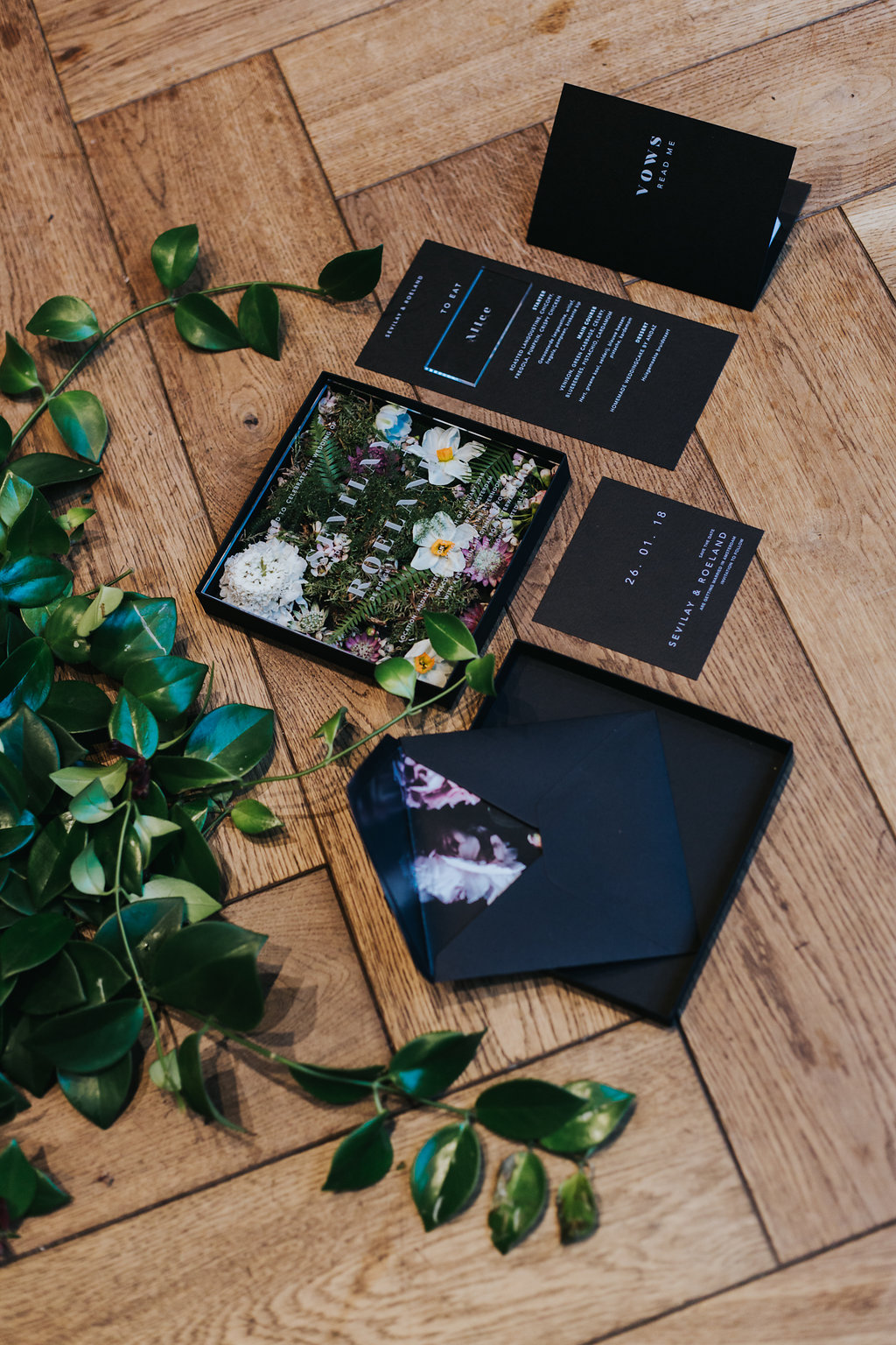 Studio Spruijt Sophisticated Alice trouwkaart op maat plexiglas